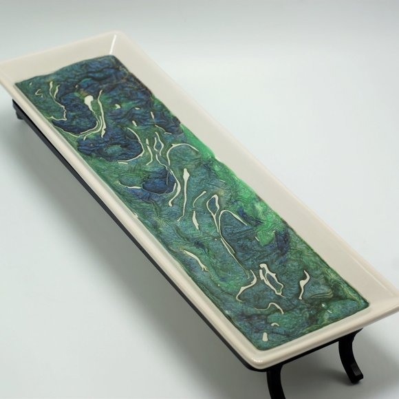 NWOT Fluid Art Ceramic Tray with Metal Stand